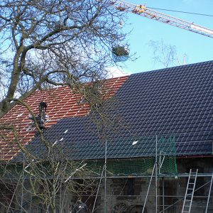 Dachreparaturen und Sturmschadenbeseitigung - Von Hameln, Holzminden bis Höxter